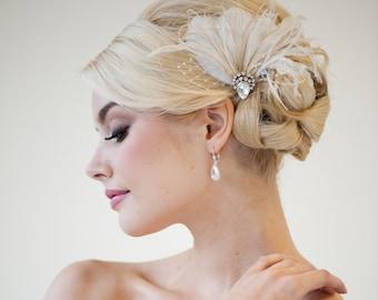 Bridal Fascinator, Wedding Headpiece, Feather Fascinator, Feather Headpiece, Ivory Feather Hair Clip - CALI