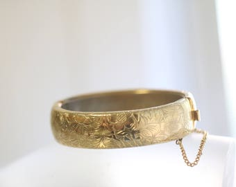 Vintage Floral Etched Hinged Gold Bangle Bracelet, vintag gold bracelet, Vintage bracelet, vintage jewelry