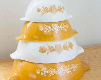 Vintage Pyrex Mixing Bowls Full Set Butterfly Gold Daisy Pattern Nesting Cinderella Bowls