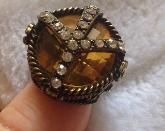 """gorgeous elasticated medieval renaissance """"Topaz"""" appearance ring"""