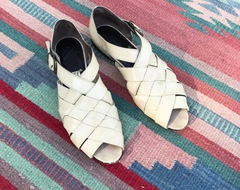 Vintage Ivory Woven Leather Peep Toe Sandals   size 5.5 6