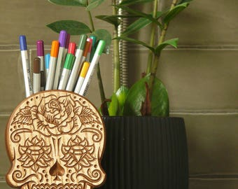 Sugar Skull Wooden Sugar Skull Desk Organizer Gift Wooden Skull Carved skull Stand skull pen holder Office Pen Organizer skull pen holder