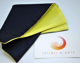 Pocket handkerchief made up of yellow and blue satin