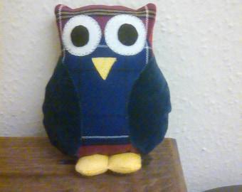 Small owl cushion