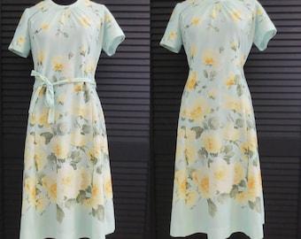 Vintage 70s Dress Size Medium Floral Print Yellow Flowers Short Sleeve Green Blue