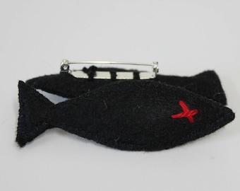 black and red felt fish brooch