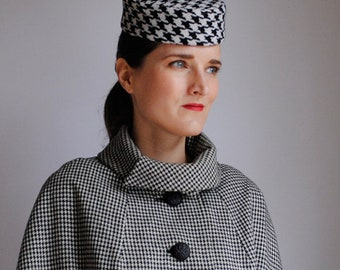 Houndstooth Cape Jacket : Vintage 1950's