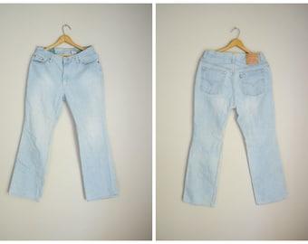 vintage 80s 90s levi's lightwash boot cut low rise 517s -- womens 32x31 -- distressed