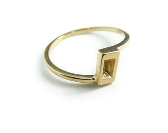 Vintage Avon Ring, Gold Tone, Signed, Size 7.25, STY2