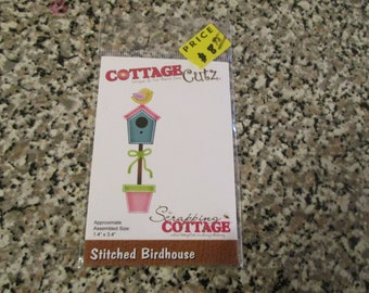 Cottage Cutz, Stitched Birdhouse Die