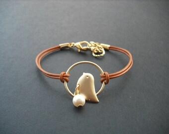 Bridesmaid Bracelet, Matte Gold Sweet Little Chick Bracelet, June Birthday Bracelet, Pearl Birthstone Bracelet,Bridesmaid Gift,Birthday Gift