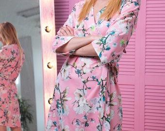 Pink Bridesmaid Robes, Pink Wedding Robe, Floral Wedding Robes, Pink Bridal Robe, Bridal Party Robes, Floral Bridesmaid Robe, Floral Kimono