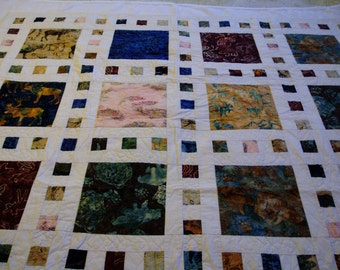 Hand Quilted Quilt - Alaskan Theme fabric - Lap Size Quilt