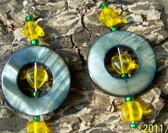 Sunshine Jet Shell Hoop Earrings