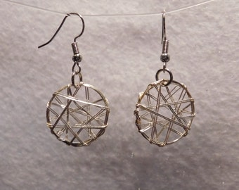 Round Wire Star Earrings