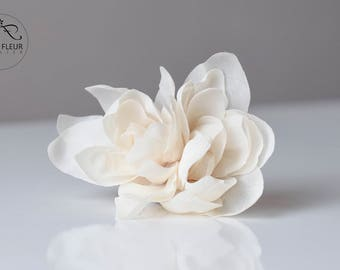 Bridal Hair Flower, Ivory Silk Flower, White Artificial Flowers, Bride Hair Accessories, Wedding Hair Accessories, Gardenia Bridal Hair Clip