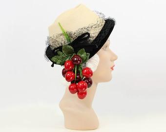 vintage 40s hat / 1940s straw tilt hat / cherry cherries hat / summer fruit hat / statement hat