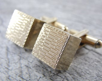 Vintage Gold Tone Square Cube Men's Cuff Links