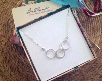 Silver Circles Necklace Silver Rings Necklace Three Sisters Necklace 3 Sisters Jewelry 3 Best Friends Gift Meaningful Jewelry Wire Jewelry