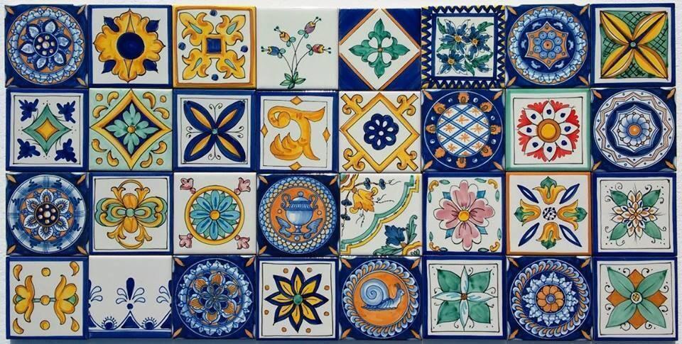 Lotto patchwork 32 piastrelle decorate a mano cucina vietri - Piastrelle di vietri ...