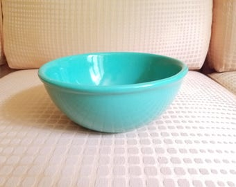 "Gaetano Pottery Vintage Mixing Bowl Emerald Green California USA Mid Century 1950s 8.5"" Diameter"