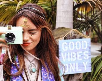 good vibes only /peace sign / anthropologie / urban outfitters decor/ wood sign