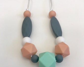 Little Mama Teething Necklace