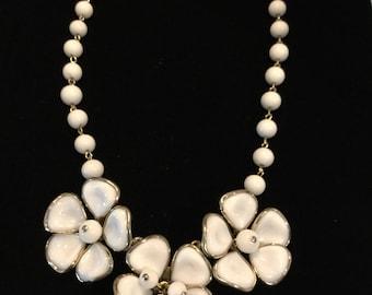 CROWN TRIFARI  MAGNOLIA White molded Glass Necklace