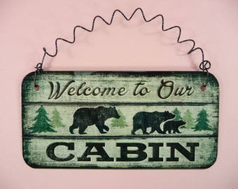 WELCOME TO OUR Cabin Sign Cute Metal Home Decor Rustic Country Bears Trees Mountains Faux Old Wood