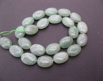 Aventurine: 3 flat oval pearls 14 * 10 mm - Green gemstone