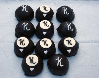 Cake Balls: Personalized Bitty Bite Cake Balls. Great for wedding favors and parties