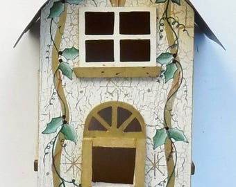 Unique Birdfeeder * Refurbished * Metal Roof * Free Shipping
