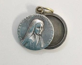 Rare Sainte Bernadette Silver Metal Locket Pendant LOURDES HOLY MEDAL