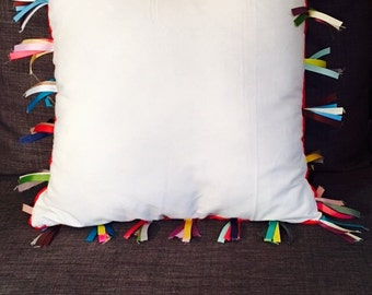 WHITE CANVAS PILLOW