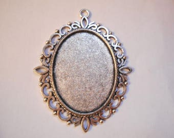 1 support a silver cabochon antiqued cabochon 40 x 30 mm.