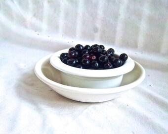 Vintage Berry Individual Serving Bowl and Colander Bowl Vintage Serving Set Vintage Unmarked Kitchen Breakfast Berry Set Vintage Serving