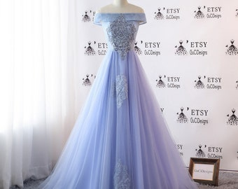 2018 Prom Dresses Long Blue Lace Embellish Evening Dresses Off Shoulder Tulle Dress A-Line Women Formal Party Gown Fashionable Bride Gown