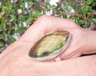 Linden (BA2) Quartz and 925 sterling silver ring