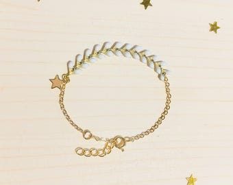 "Bracelet child ears chain gold, enamelled ears white, with Golden, model ""Epic kid"" Star, gold plated, adjustable"
