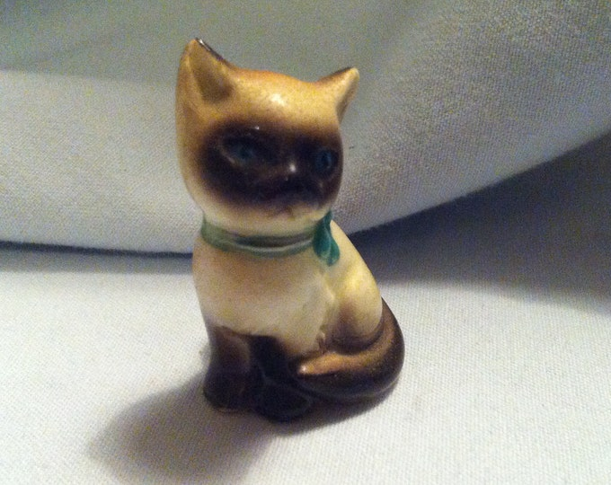 Vintage porcelain cat kitten beautiful deco