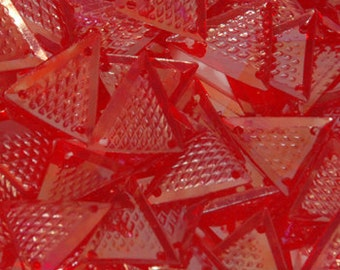 100 SEQUINS TRIANGLE.............RED/ KBTS338