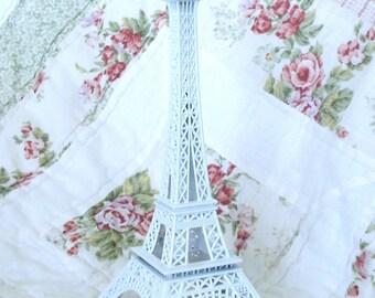 Pretty White Eiffel Tower Replica Centerpiece
