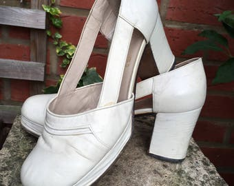 White  Leather Shoes 70s Wedge Scilin Made in Italy (size 36) (heel 3,7 inches)