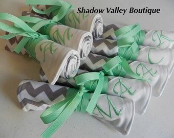 Travel Jewelry Roll  - Personalized Bridesmaid Gift - Bridesmaid Jewelry Roll in Chevron with your choice of monogram colors