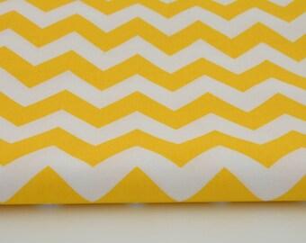 Fabric 100% cotton zig zag yellow / white a half metre 50 x 160 cm, 100% cotton printed accessories.