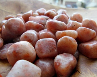 Sunstone Medium Tumbled Stone