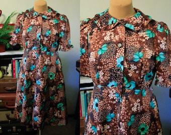 1950's 1960's Volup Floral Dress | Peter Pan Collar | Pockets | Ruffle Sleeve
