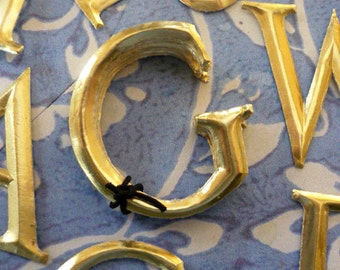 """10 Gold Dresden Letters ~ G (1 1/2"""" tall)"""