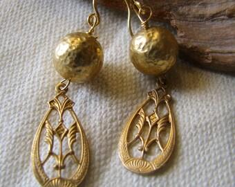 short gold dangle earrings