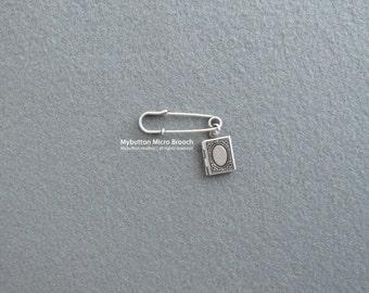 Micro charm brooch _ Album